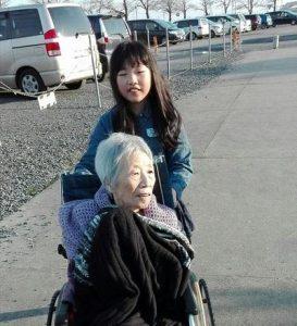 高齢者と障がい者施設の整備に取り組みます。